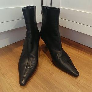 JIMMY CHOO London 38.5 8.5 Black Leather Booties